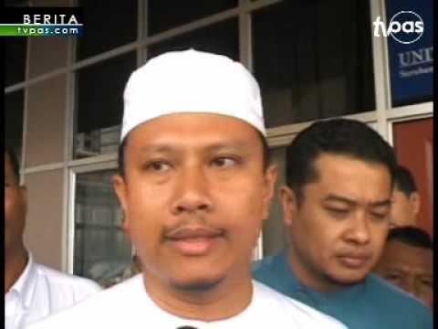 Ali Rustam didesak letak jawatan Ketua Menteri