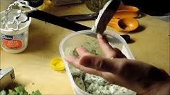 Silakkaa valkosipuli- ja tilli-sinappi-kastikkeessa