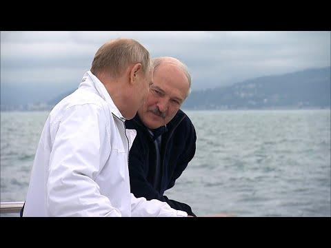 Лукашенко и Путин на морской прогулке в Сочи. // Май, 2021