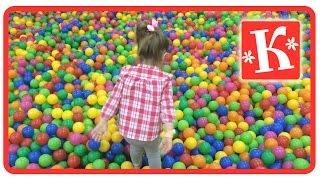 Сухой 🎈🎈🎈бассейн с шариками🎾🌕🔵 для детей, в котором купается Катя. Просто море разноцветных шариков.(Сухой бассейн с шариками для детей, в котором купается Катя. Просто много море разноцветных шариков. Подпис..., 2016-07-27T22:02:05.000Z)