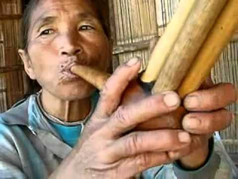 Performance of Gourd-Shaped Flute by Lahu.mp4