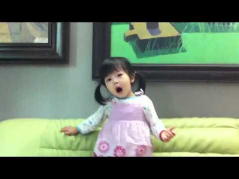 """Hà Chi (2 tuổi 3 tháng) Đọc thơ bài """"Yêu Mẹ"""""""