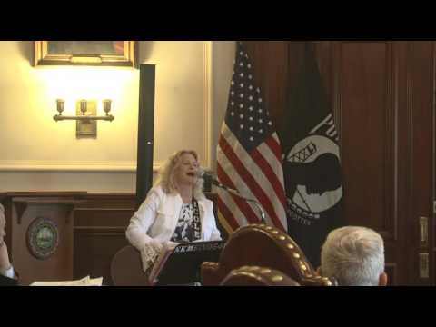 Nicole Knox Murphy sings for the Governor of New Hampshire 2017