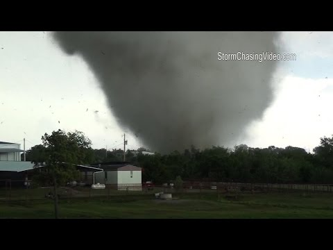 Extreme Tornado Footage Wynnewood, OK with debris Flying In the Air - 5/9/2016