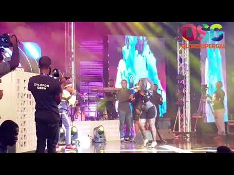 Wizkid performs at Becca at 10 Concert in Accra