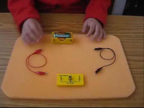 Circuito Electrico Simple Materiales : Maqueta circuito electrico material reciclado youtube