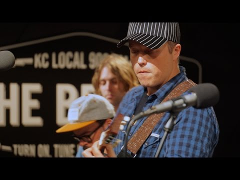 909 in Studio : Jason Isbell and the 400 Unit - 'Hope The High Road'   The Bridge