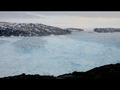 شاهد: انهيار قطعة عملاقة من جبل جليدي في غرينلاند  - نشر قبل 1 ساعة