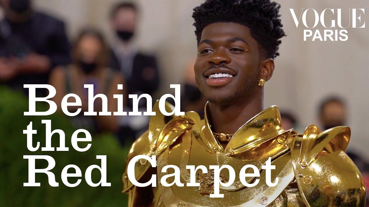 Lil Nas X brille en Versace au Met Gala 2021 | Behind The Red Carpet | Vogue Paris