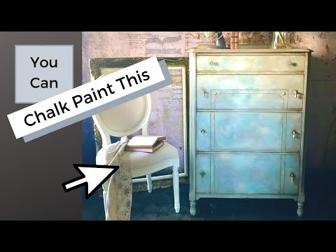Blending 4 Chalk Paints together to create a blue sky effect using Annie Sloan's chalk paint.
