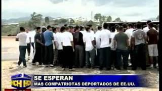 Llegan a Tegucigalpa migrantes deportados de EEUU