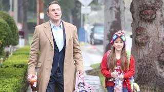 Ben Affleck Loves Being On Daddy Duty As He Walks In The Rain With Daughter Seraphina