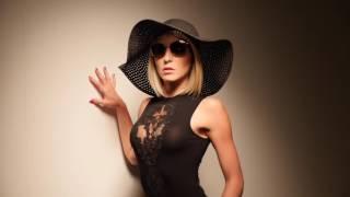 Elise van Vlaanderen Classy and Sensual