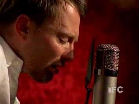 "Thom Yorke Plays ""The Clock"""