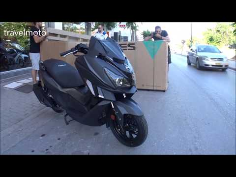 Unboxing The SYM CRUISYM 300cc Mega Scooter