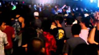 Repeat youtube video คอนเสิร์ตแบงค์วงCLASH-MAESOT