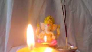 Download Hindi Video Songs - Shree Ganesh Aarti (LIVE REAL AARTI FLAME)