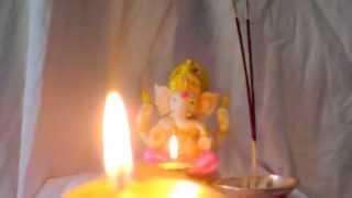 Download Hindi Video Songs - Shree Ganesh Aarti (LIVE REAL AARTI FLAME)