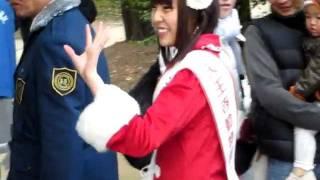 昨年12月24日、天王寺動物園の一日園長を務めたAKB48メンバーの藤...