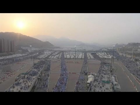 Hajj approaches incident-free half-way stage in Mecca