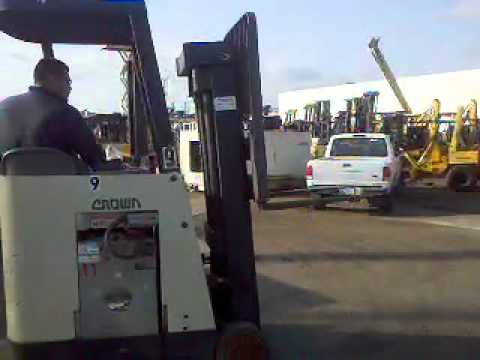Crown RC3000 Electric Forklift
