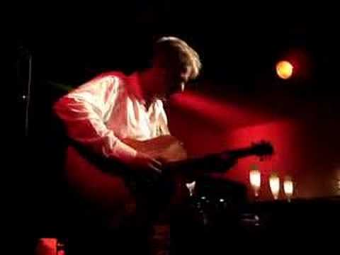 Tommy Emmanuel - Heartbreak Hotel