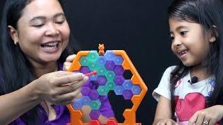 unboxing mainan anak save the bee, game seru keluarga tapi susah