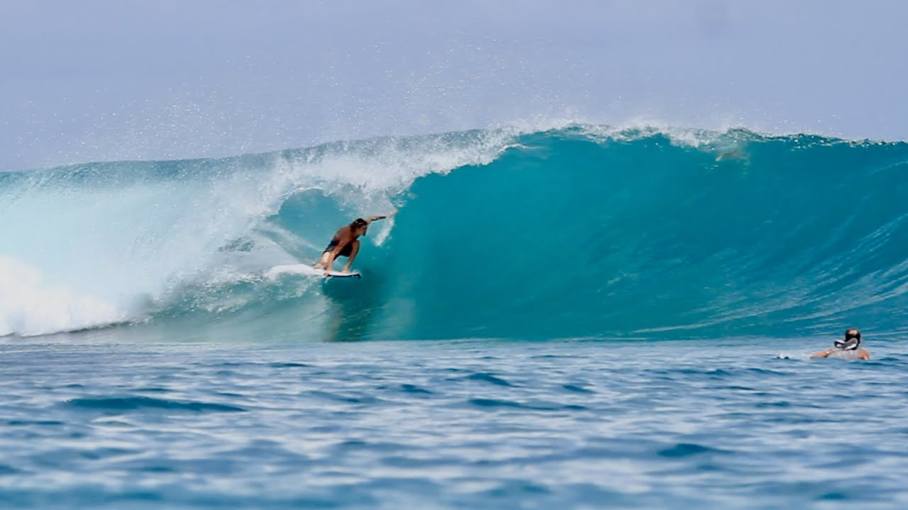 IS THIS THE MOST PERFECT LEFT IN THE WORLD?! (Machine Wave, Mentawais!)