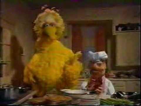 Swedish Chef making Christmas dinner (with Big Bird)