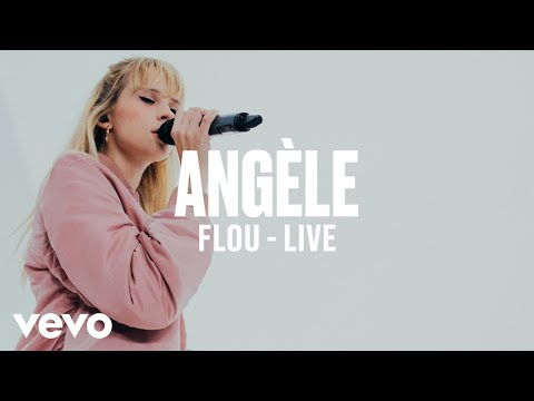 Angèle - Flou (Live) | Vevo DSCVR ARTISTS TO WATCH 2019
