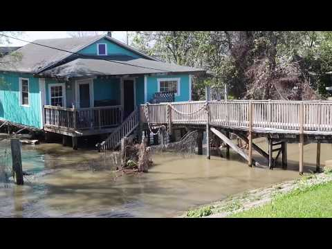 MISSISSIPPI RIVER AT FLOOD STAGE IN NEW ORLEANS | SOME WATER BEING DIVERTED