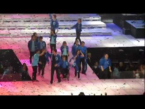 Somebody To Love/ Finale - Glee Live