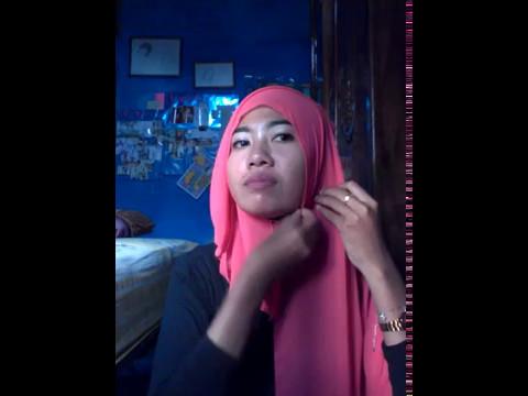 Cara memakai jilbab persegi panjang simple