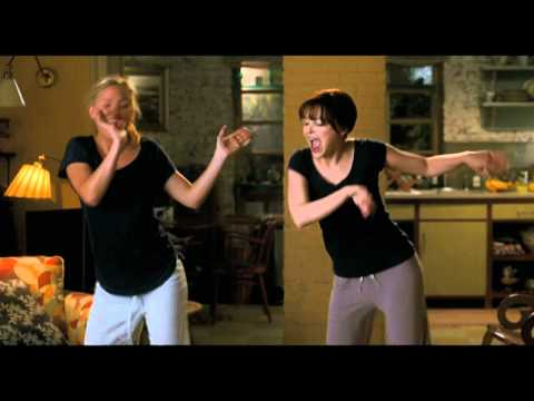 Something Borrowed Dance , Kate Hudson & Ginnifer Goodwin