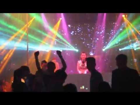 Dj Trang Moon diễn tại New Phương Đông [full]