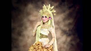0813-5786-7170    Kebaya Muslim Modern Surabaya by Raddin Wedding by Cahyo Hendarwanto