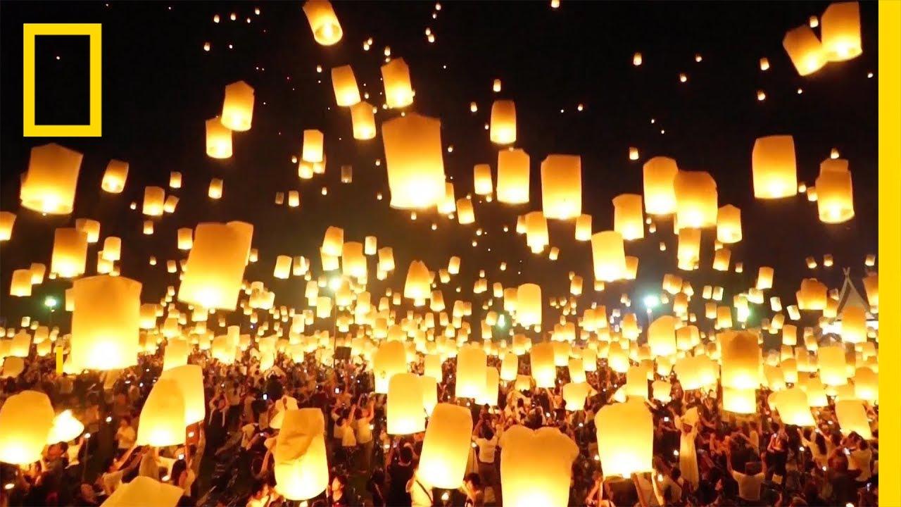 Фенери го исполнуваат небото над Тајланд