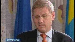 EuroNews - FR - Interview: Karl Bildt, ministre des...