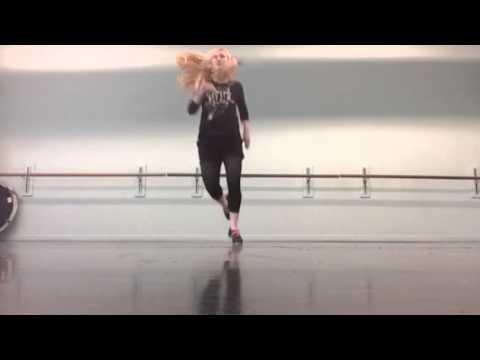 Out of my mind, a Capella - Jenne Vermes - Noise Complaint Live tap dance