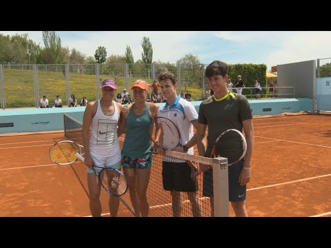 Madrid Fans Practice With WTA Stars