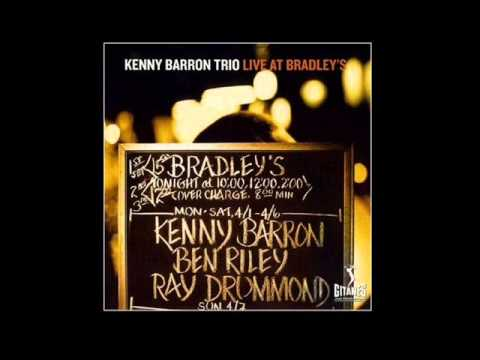 Kenny Barron Trio - Everybody Loves My Baby But My Baby Don't Love No