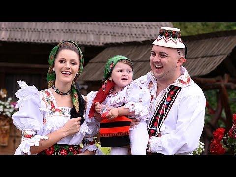 Amalia Ursu si Vasilica Ceterasu' - Ma falesc ca am o fata (videoclip original)
