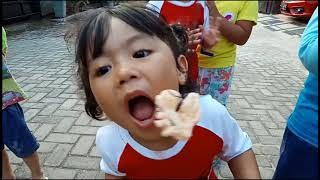 Download Video Video Lucu Ngakkak!!! Lomba 17 Agustusan Anak Anak Kocak dan Lucu Banget MP3 3GP MP4