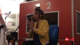 Paola Minaccioni è Niculina, operatrice di call center - Il ruggito del coniglio 09/12/2014