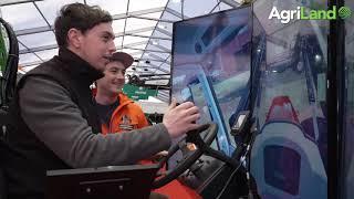 Agriland在FTMTA农场机械展(2019年)上检查了快速模拟器。