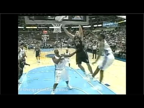 Travis Best nice no look, over the head pass to Aaron Williams for the hoop plus the foul