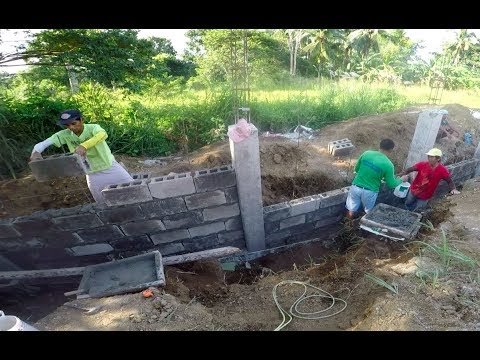 VILLA FELIZ  - EPISODE 170: LET'S BUILD A FENCE (House Building in the Philippines)