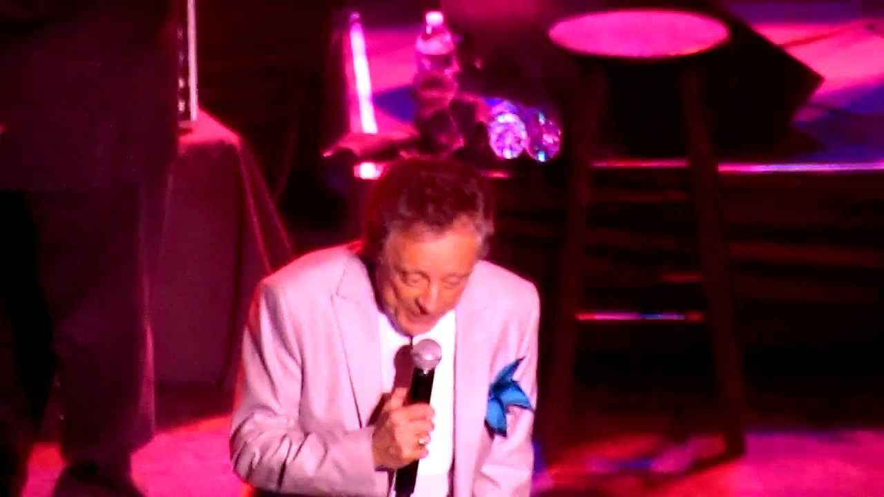 frankie-valli-the-four-seasons-save-it-for-me-live-cal-vid