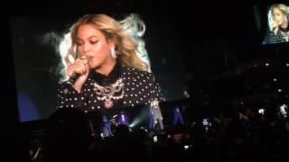 Beyoncé performs