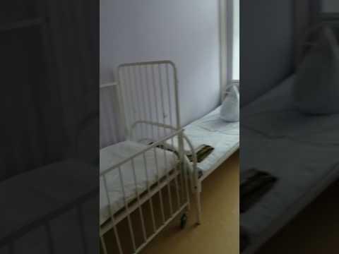 По детям ползают тараканы, а родители душат сотрудников в инфекционной больнице Хабаровска